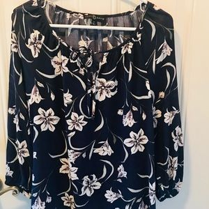 Navy/white/pink Floral Top NWOT